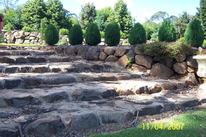 Formal terracing with a retaining wall